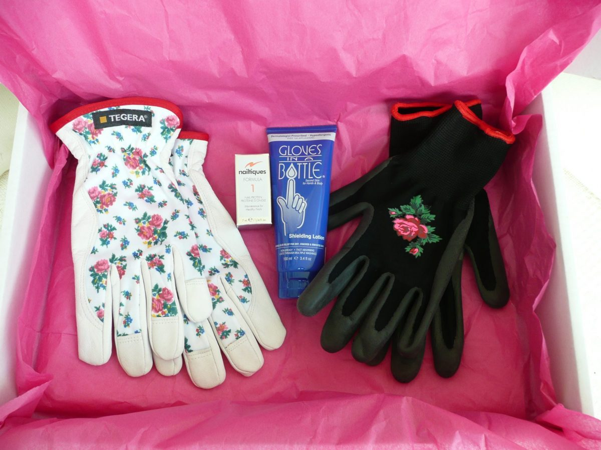 110 Tegera 90015 Thermal gloves, Nailtiques, Gloves in a bottle, Tegera 90066 Water resistant Grip gloves