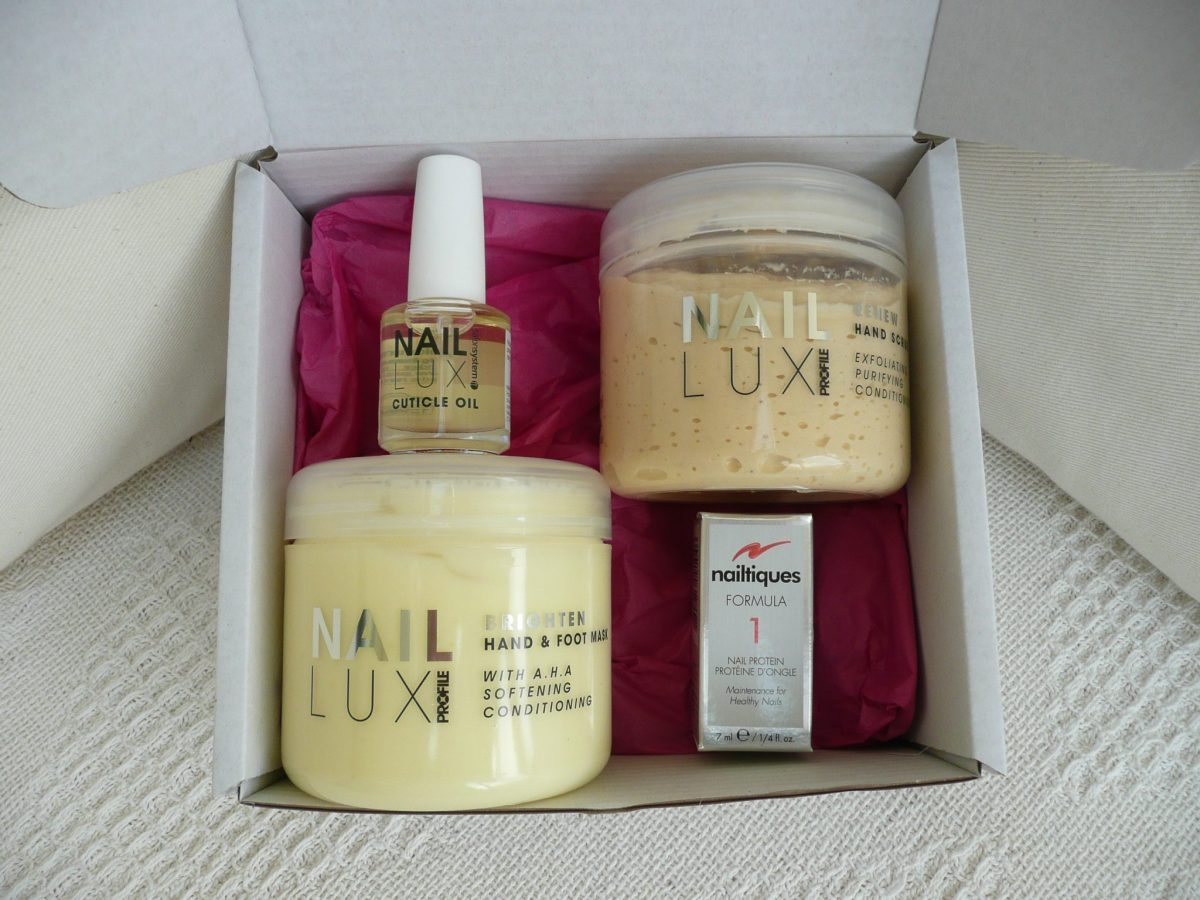 123 Beauty box Nail Lux scrub, mask, cuticle oil and Nailtiques